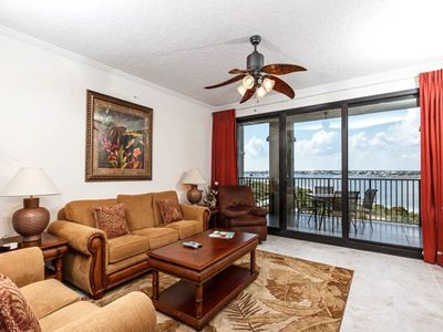 Photo for 4th Floor Open, Airy Condo w/ Great Views, Close To Dining, and More!