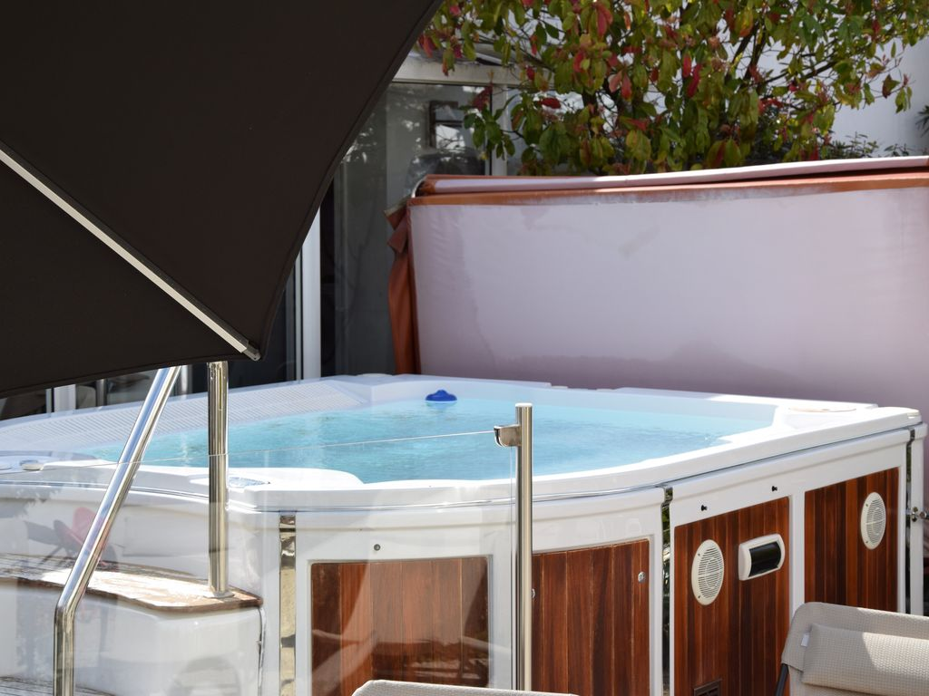 Ile de re villas lodges ind pendantes ou suites appart for Appart hotel jacuzzi