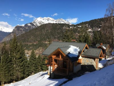 Photo for Chalet 8 pers domaine alpe huez, 50 m from the slopes