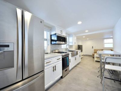 Photo for Gorgeous, Modern Home in Prime Location with AC #5