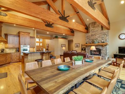Photo for Lakeside luxury with shared pool and tennis, private hot tub, & gourmet kitchen