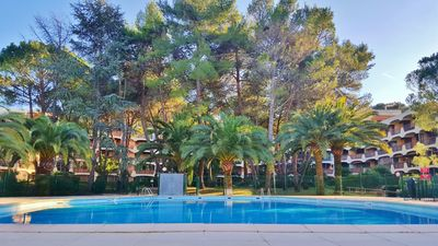 Photo for Beau 2p in wooded residence, 3 pools near Mer, Cannes and Esterel