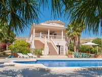 Lovely family villa in a quiet location with a very big pool