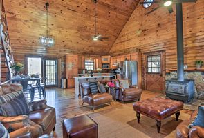 Photo for 2BR Cabin Vacation Rental in Pearcy, Arkansas