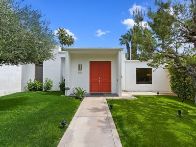 Photo for Mid Century Modern home convenient to downtown Palm Springs