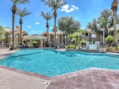 Photo for 2 Bed/2 Bath ground floor condo in the heart of Scottsdale - walk to everything!