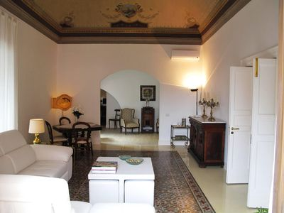 Photo for Spacious Castello Ursino apartment in Catania with integrated air conditioning.