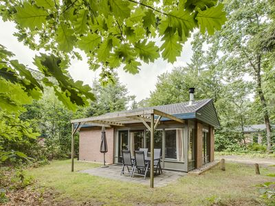 Photo for Luxury 2-person bungalow in the holiday park Landal Heideheuvel - in the woods/woodland setting