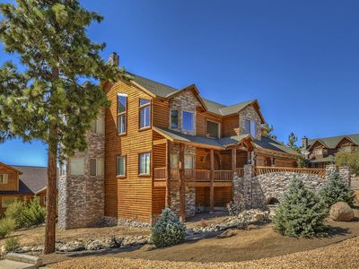 Photo for Windsong Retreat: Luxurious! Panoramic Views! Hot Tub! Internet! Master Suite! Game Table!