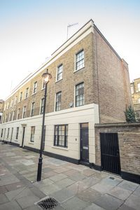 Photo for NEWLY REFURBISHED 3 BED TOWNHOUSE W1W CLOSE TO OXFORD STREET