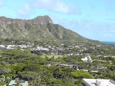 Great Ocean and Diamond Head View !! Luxurious Yet Affordable!!