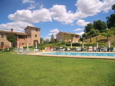 Photo for Holiday House 'Caselsa' - immersed in the green Tuscan hills