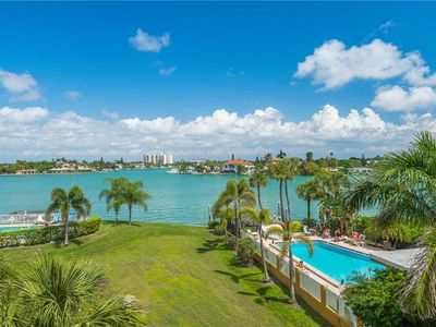 Photo for The Palms of Treasure Island 201, 2 Bedrooms, Bay Front, Pool, Sleeps 6