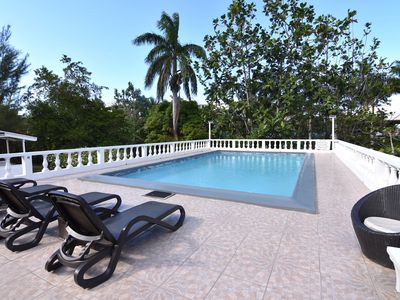 Photo for Spacious contemporary Studio Apartment with swimming pool 5 mins walk from beach