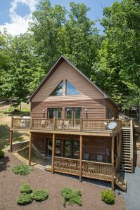Photo for Massanutten Log Home Near Slopes, 2 Master Suites,  Hot Tub, Pool Table, Views