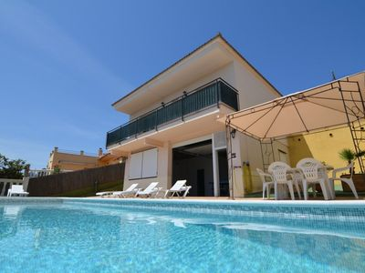Photo for Club Villamar - Holiday villa with a beautiful appearance, located at the Spanish Costa Brava.