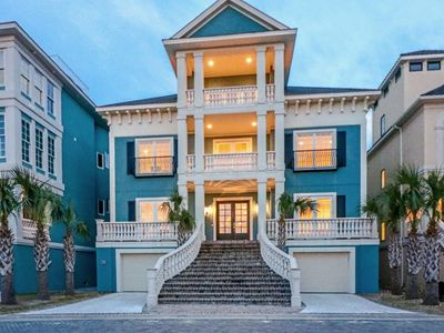Luxury Oceanfront Home w/ Private Pool, Elevator, Pool Table & AMAZING VIEWS!