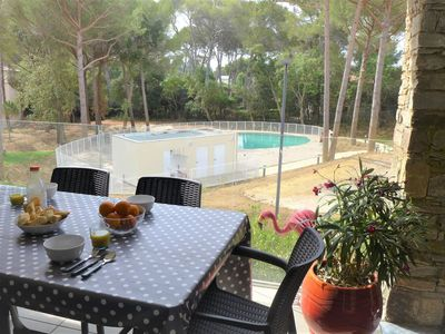 Photo for Nice apartment for 4 people with pool, WIFI, TV and parking