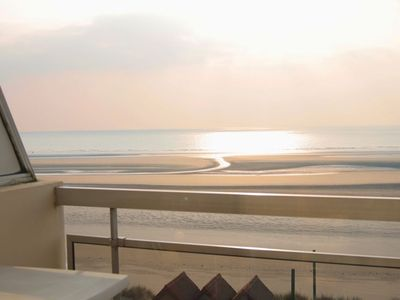 Photo for 2 bedroom apartment 55 m², seafront, for 6 people in HARDELOT BEACH.