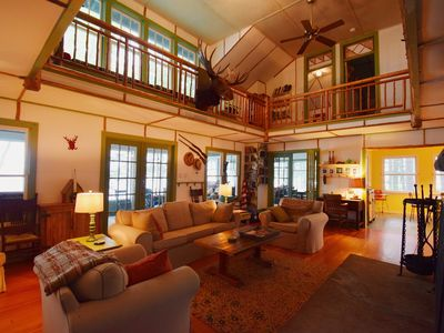 Private Island and 2 miles of shore - Sleeps 20!    Boat avail for rent!