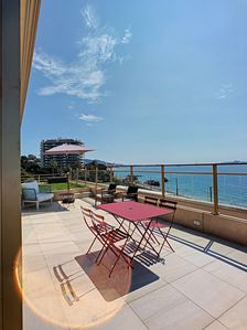 Photo for Sea Front Apartment Villa Roof Style