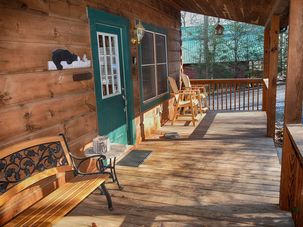 Private, Serene Cabin with Game Room for Kids