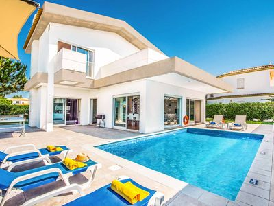 Photo for Balaia Lore - modern villa in ideal location! Pool, Wi-Fi, A/C, ping-pong & more