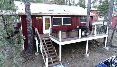 Photo for Cozy, Rustic Pine Ridge Cabin with beautiful views - Midtown Ruidoso