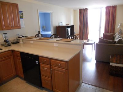 Ideally-Located and Fully-Equipped Waikiki Suite