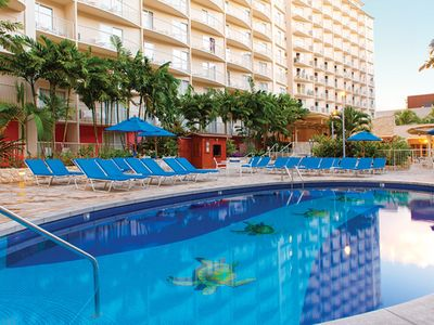 Wyndham at Waikiki Beach Walk - 1 Bedroom Condo, Near Beach and Shopping