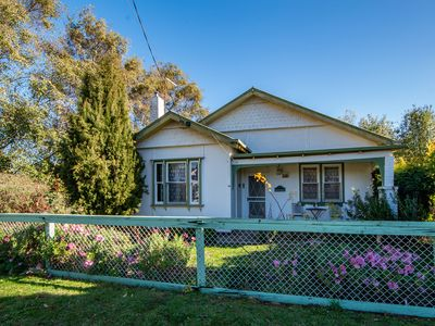 Photo for Houlet | Sleep 6 | Cheap | Daylesford