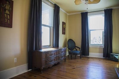 Parlor. Smaller front room, optional overflow room for Queen air mattress.