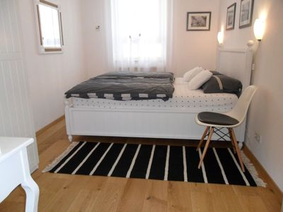 Photo for Cozy apartment in subway area with Wi-Fi, 5 minutes to the old town