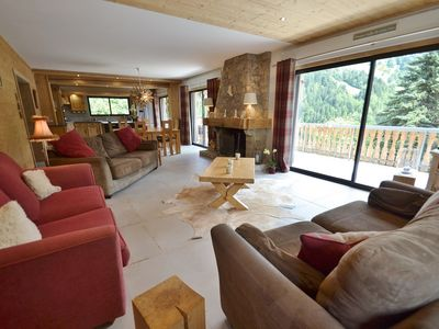 Photo for Spacious renovated 5 bed chalet for 12 with hot tub, wifi, sauna 200m²!