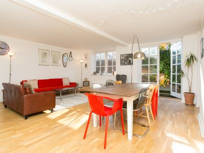 Photo for Light and spacious home sleeping 8, located in trendy Hackney (Veeve)