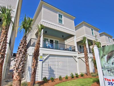 West Side Cottages Unit B -Everything is Better in Flip Flops! Spend Summer Here