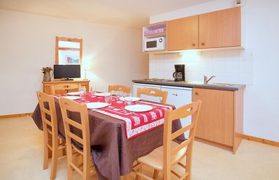Photo for Beautiful apartment for 6 persons. A bright living room with sofa bed. Equipped kitchen with dining