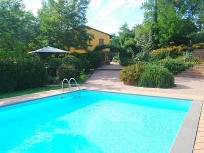 Photo for Charming holiday home between Florence and Pisa.