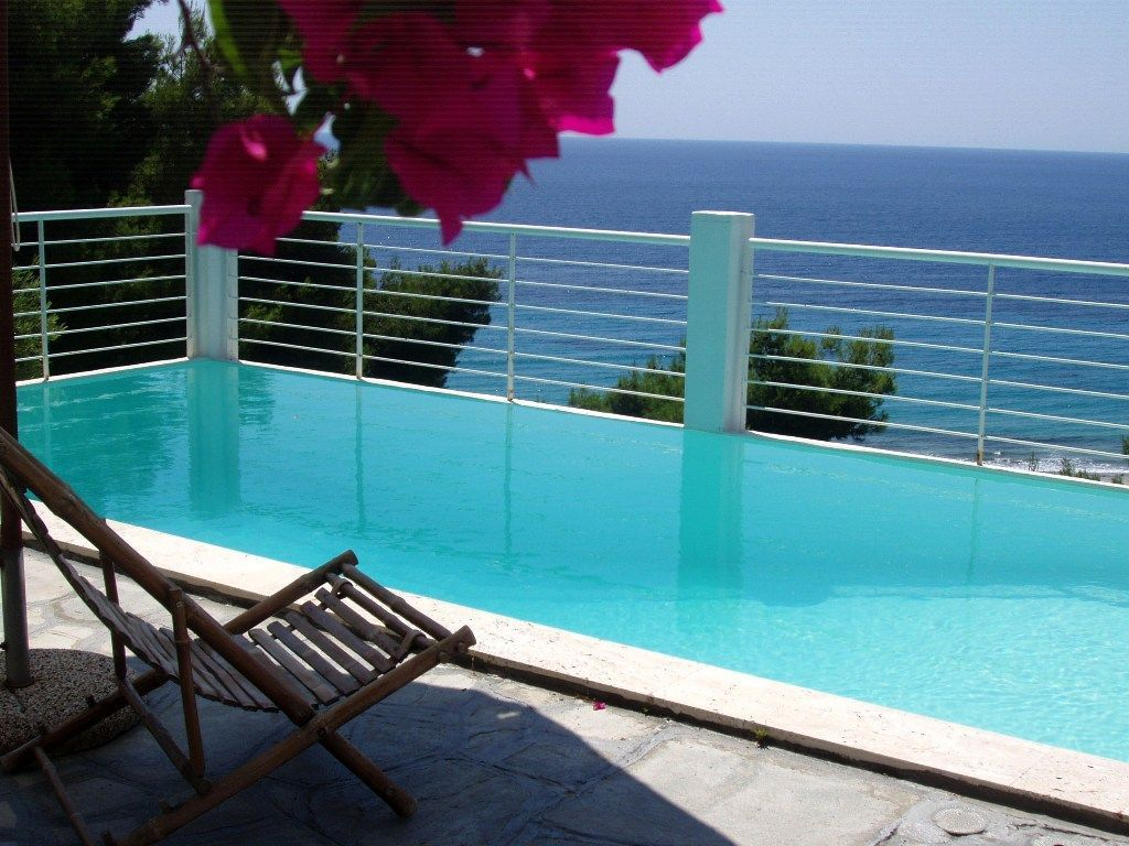 Luxurious house with private swimming pool in poseidi for Private swimming pool