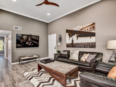 Photo for Pristine Two bedroom Old Town Scottsdale Condo