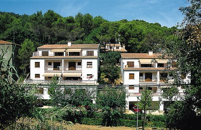 Photo for Apartment S'Esquirol  in Sa Riera (Gerona), Costa Brava - 7 persons, 3 bedrooms