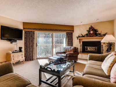 Photo for Ski-lodge Condo with full-kitchen, near Vail Lionshead Village and Gondola