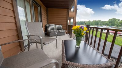 Photo for Riverwalk Retreat @ Dells Vacay | Cozy Holiday Condo | Walk to Downtown Dells