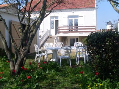 Photo for charming house 1932 3 * 8/10 pers. enclosed garden 4 bedrooms 900m beach