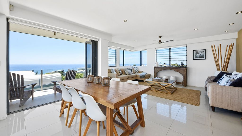 Stunning Sunshine Beach Penthouse - Sunshine Beach