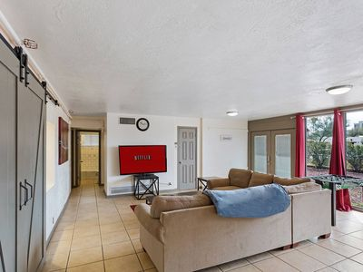 Photo for Spacious 5br/5bath Gated House By Downtown & UofA