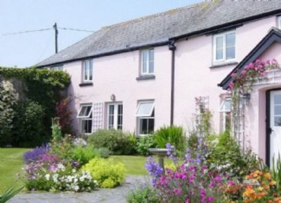 Photo for Brilliant Country Location Near Coastal Path Free Ferry from South Sands to Town