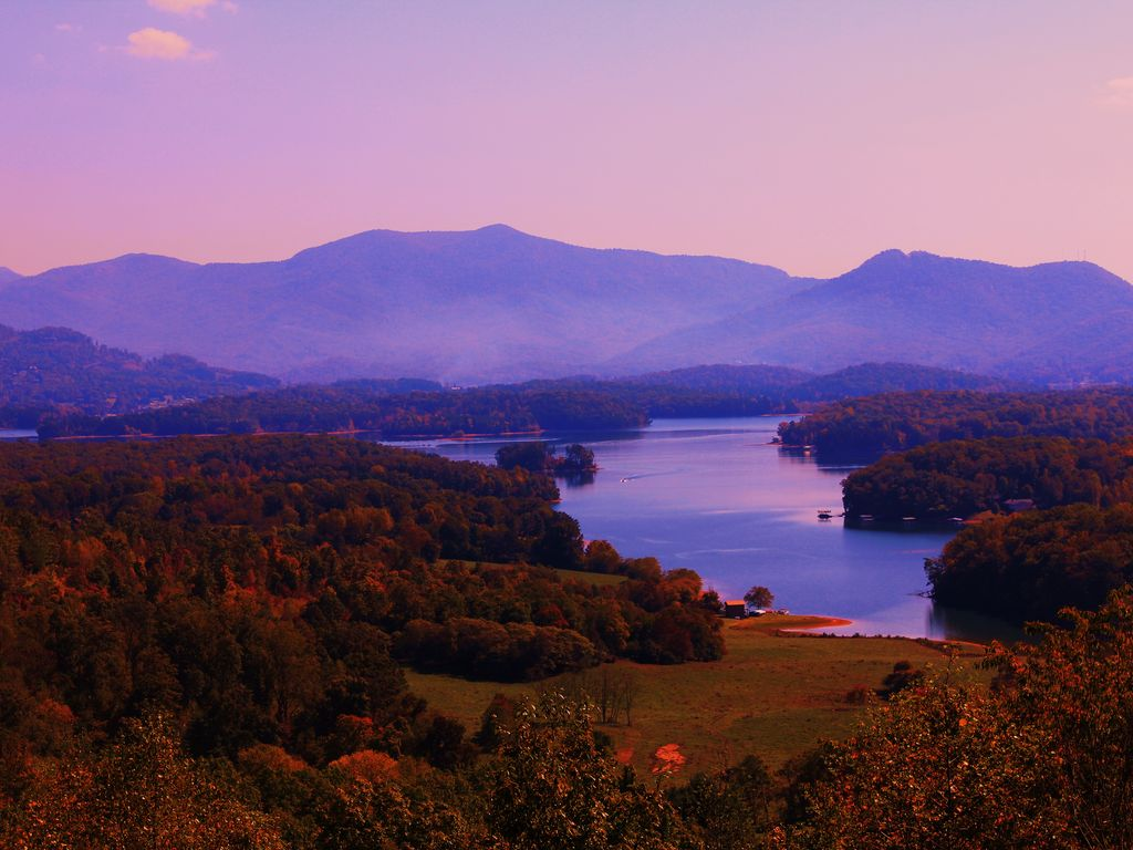 Beautiful home with stunning views year round hayesville - House with a view ...
