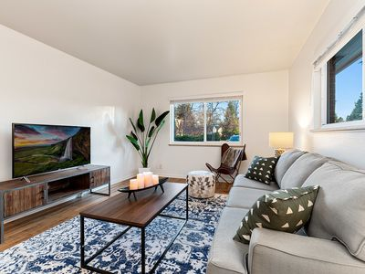 Photo for Luxury Urban Oasis Near Old Town – Pet Friendly