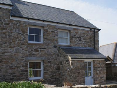 Photo for TRECAM, family friendly, with open fire in Pendeen, Ref 976548